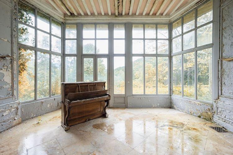 romain-thiery-requiem-for-pianos-15.jpg