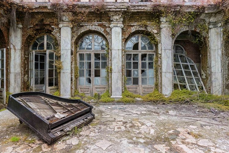 romain-thiery-requiem-for-pianos-1.jpg