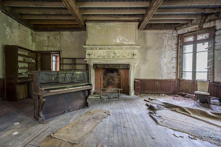 romain-thiery-requiem-for-pianos-11.jpg