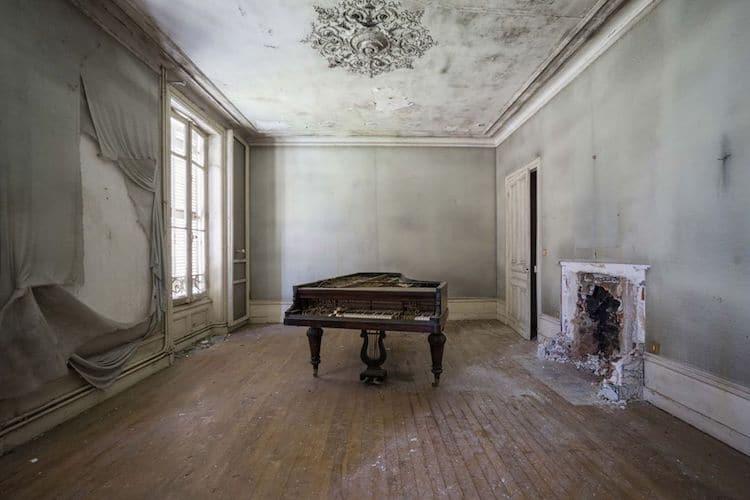 romain-thiery-requiem-for-pianos-6.jpg