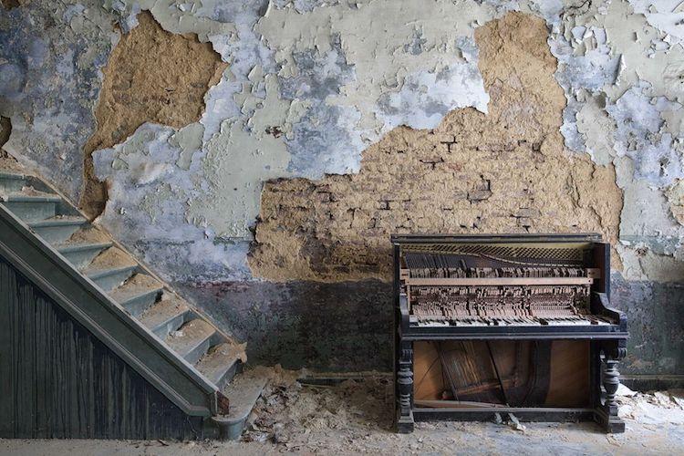 romain-thiery-requiem-for-pianos-14.jpg