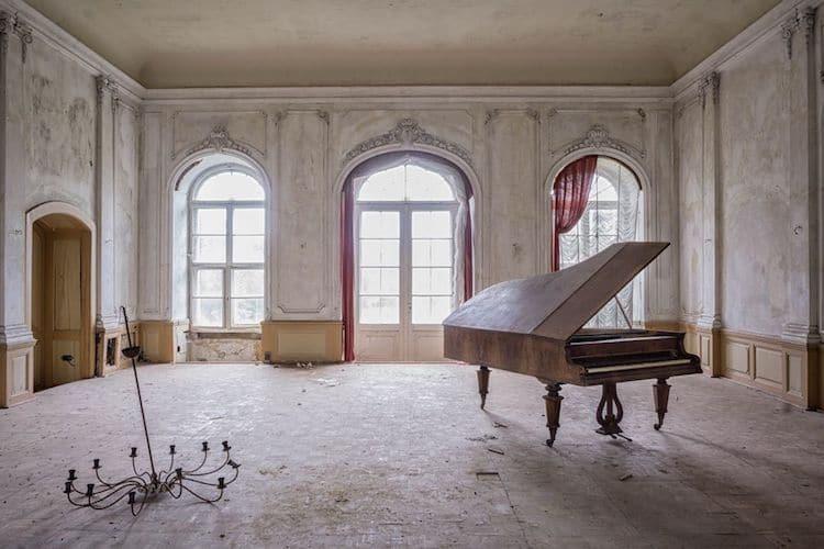 romain-thiery-requiem-for-pianos-3.jpg