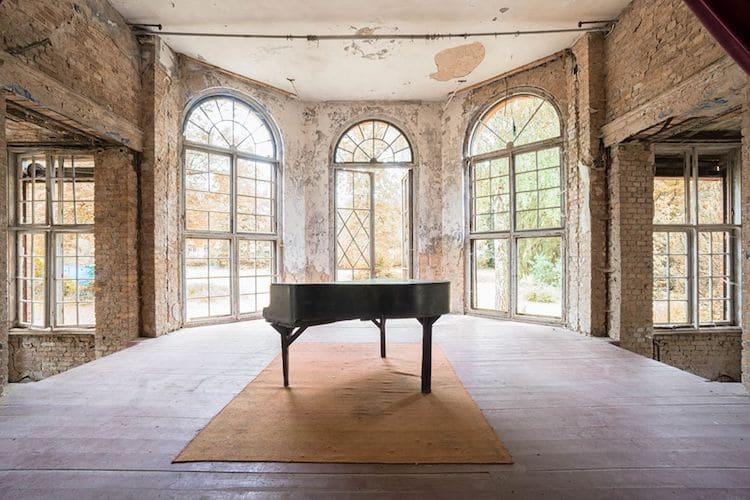 romain-thiery-requiem-for-pianos-9.jpg