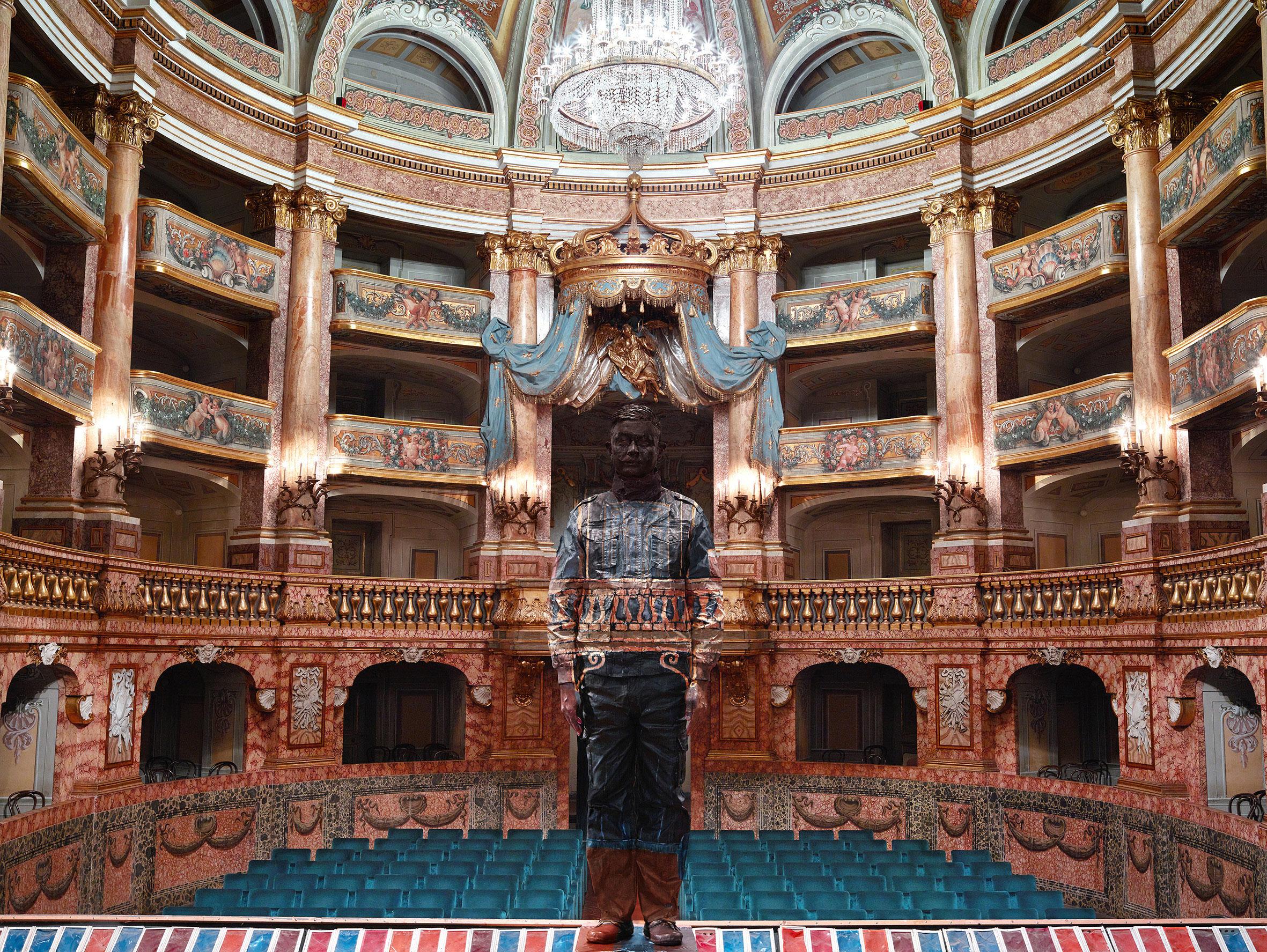 Liu Bolin, Teatro di Corte Reggia di Caserta, Courtesy Boxart, Verona
