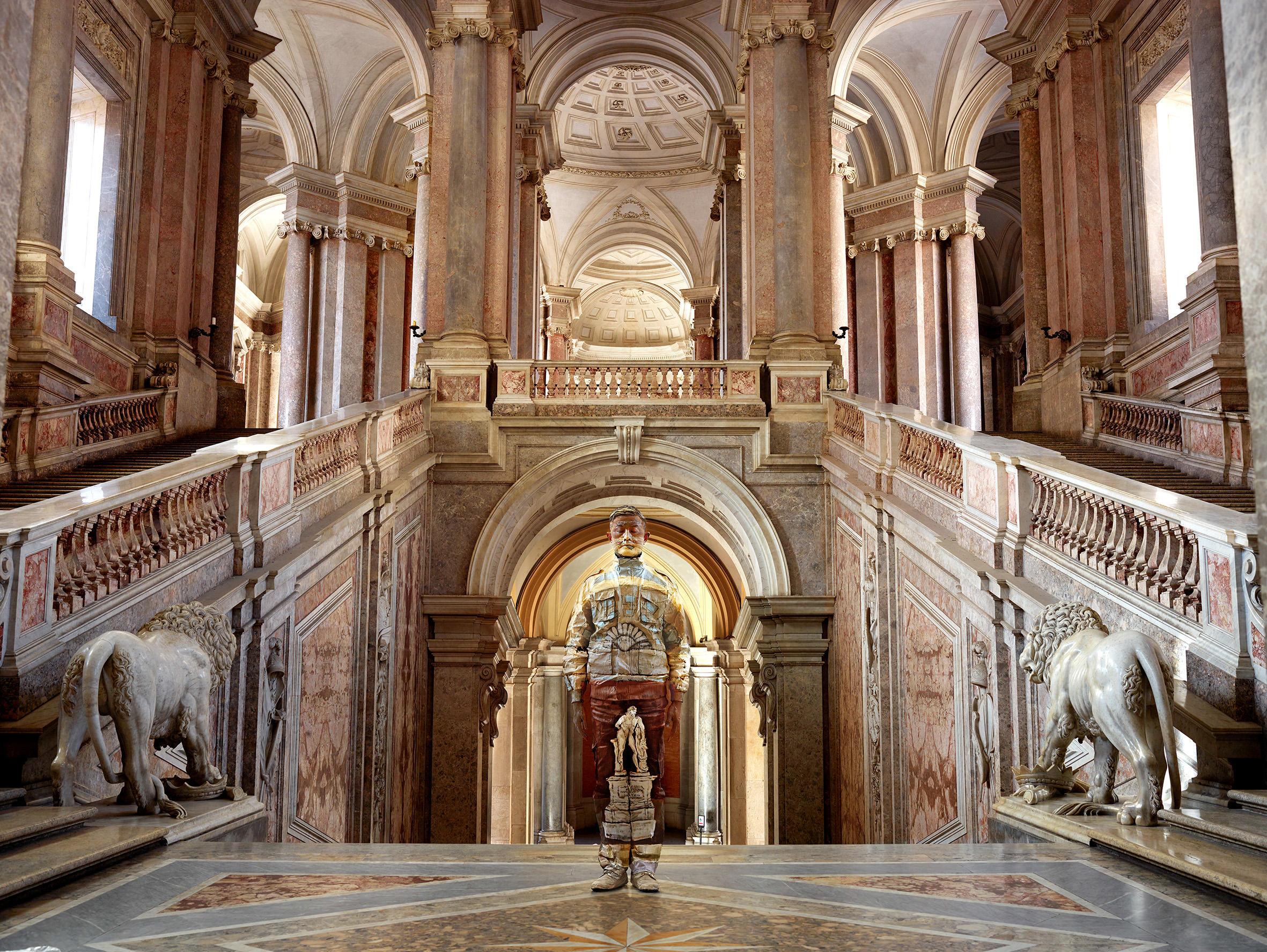 Liu Bolin, Scalone d'Onore Reggia di Caserta, Courtesy Boxart, Verona