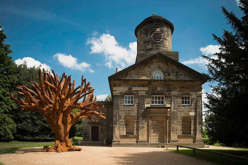esterno della cappella, 2013 | courtesy yorkshire sculpture park | photo © jonty wilde