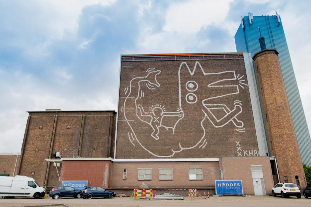 Il murale di Keith Haring ad Amsterdam.Photo: Hanna Hachula, courtesy Stedelijk Museum