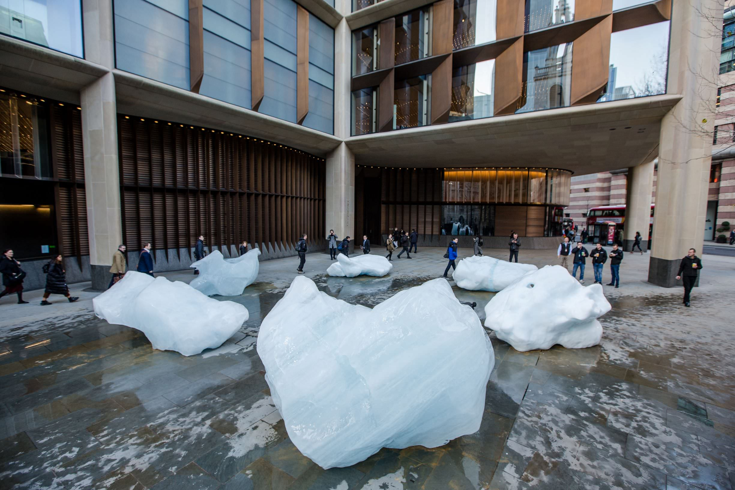 Ice Watch by Olafur Eliasson and Minik Rosing. Supported by Bloomberg, Installation: City of London, outside Bloomberg's European headquarters, 2018. Photo: Charlie Forgham-Bailey © 2018 Olafur Eliasson
