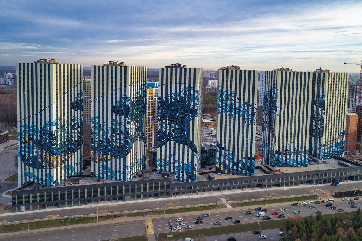 la grande onda di kanagawa, katsushika hokusai, murale, etalon city, mosca