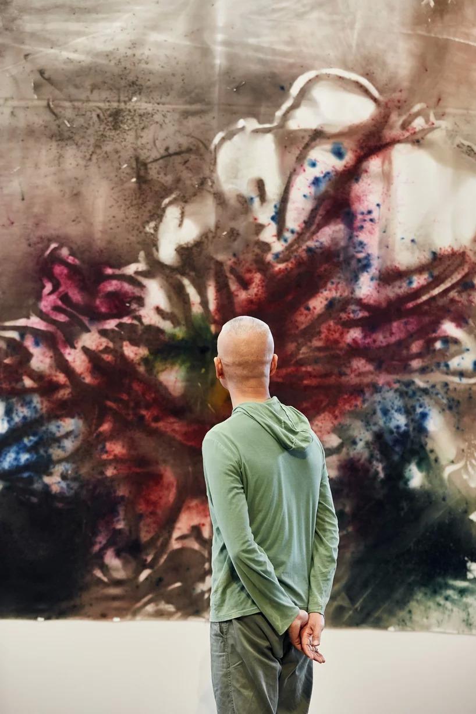 cai guo-qiang e un dipinto realizzato a melbourne per la ngv. image by  tom ross