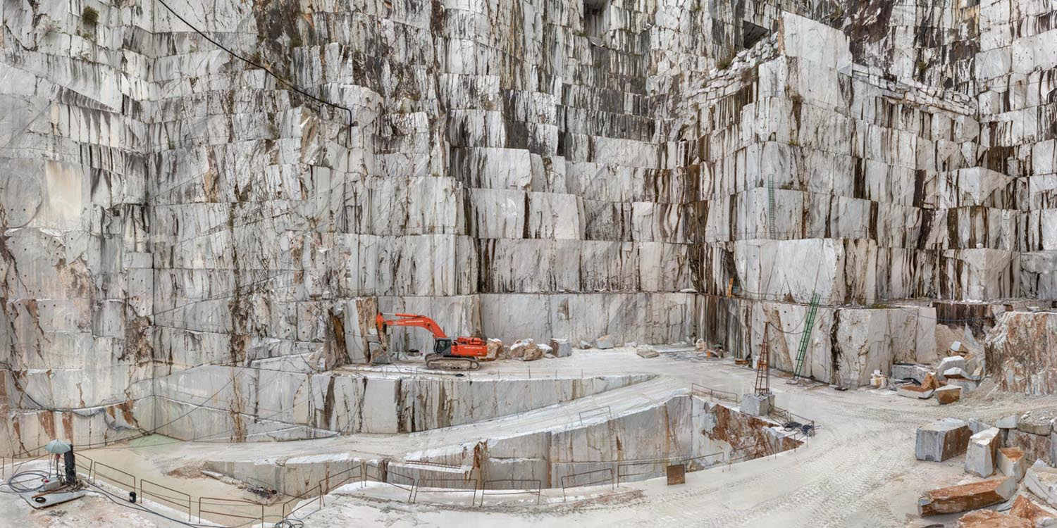 Edward Burtynsky, Carrara Marble Quarries, Cava di Canalgrande #2, Carrara, Italy 2016. photo © Edward Burtynsky, courtesy Admira Photography, Milan / Nicholas Metivier Gallery, Toronto