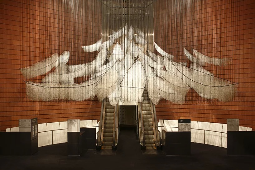 where are we going?  | 2017/2019 | white wool, wire, rope | dimensions variable. courtesy: galerie templon, paris/brussels. photo by kioku keizo, courtesy of mori art museum, tokyo
