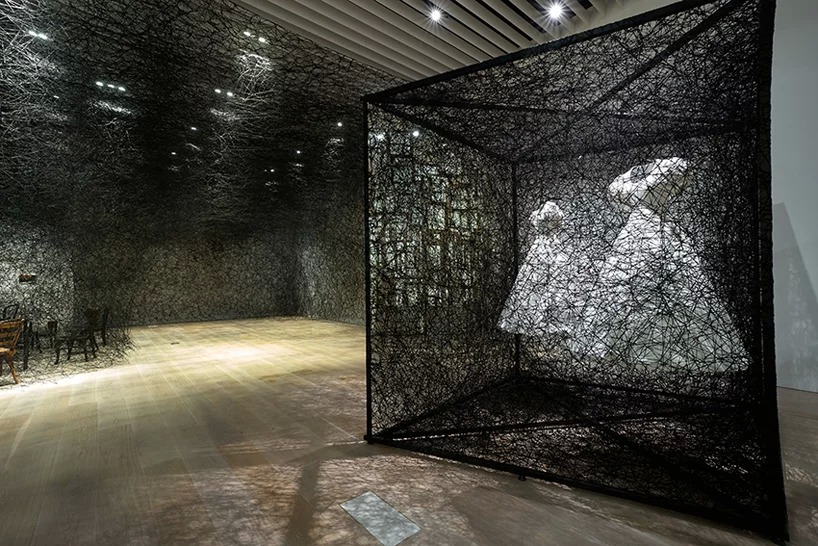 reflection of space and time  | 2018 | white dress, mirror, metal frame, alcantara black thread | 280 × 300 × 400 cm. commissioned by alcantara s.p.a. photo by sunhi mang, courtesy of mori art museum, tokyo