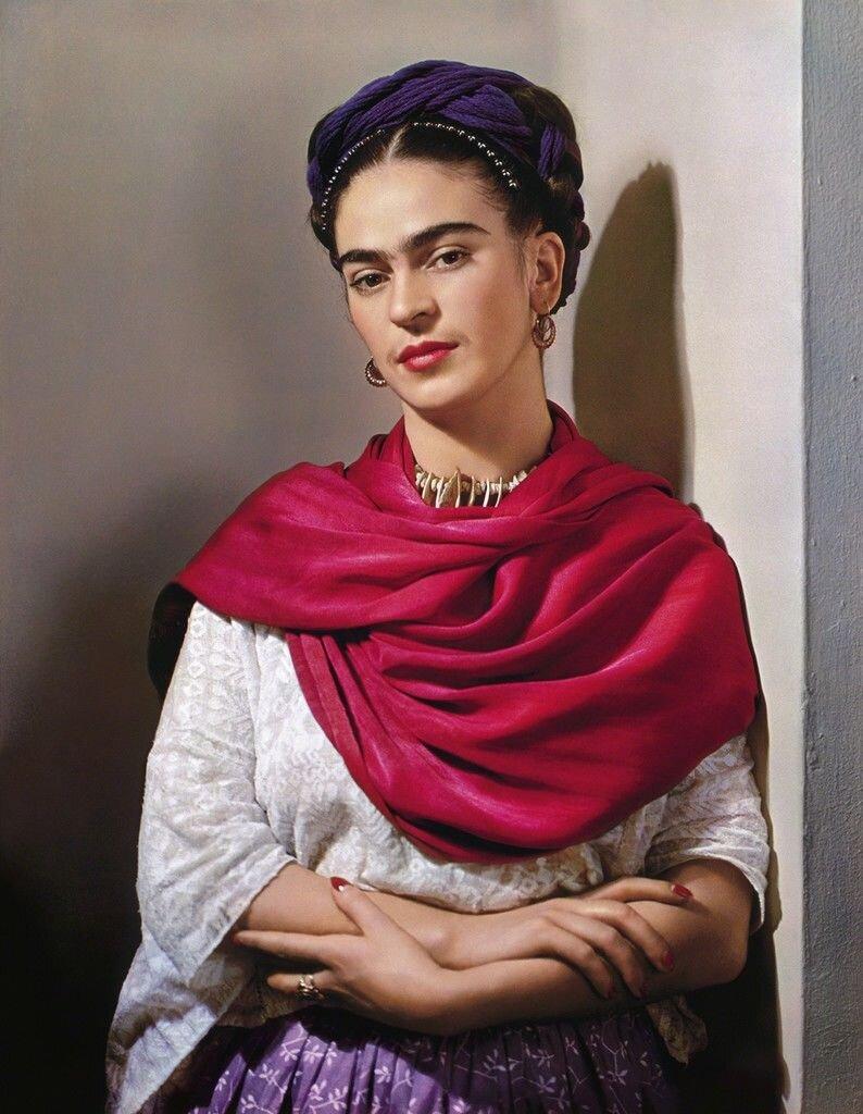 """La più grande mostra di Frida Kahlo del 2020 è digitale. Visita subito 'Faces of Frida""""!"""