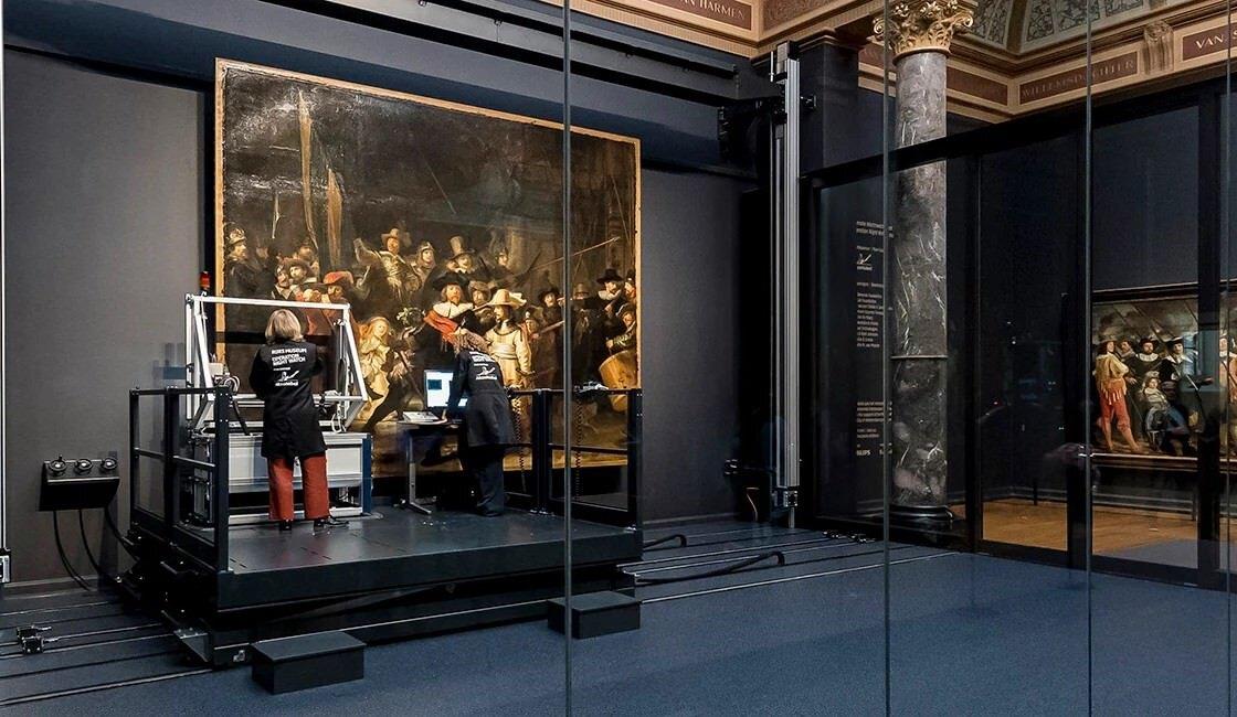 "Il Rijksmuseum mette online un Rembrandt in super-mega hd. Ecco ""La ronda di notte"" a 44,8 gigapixel"