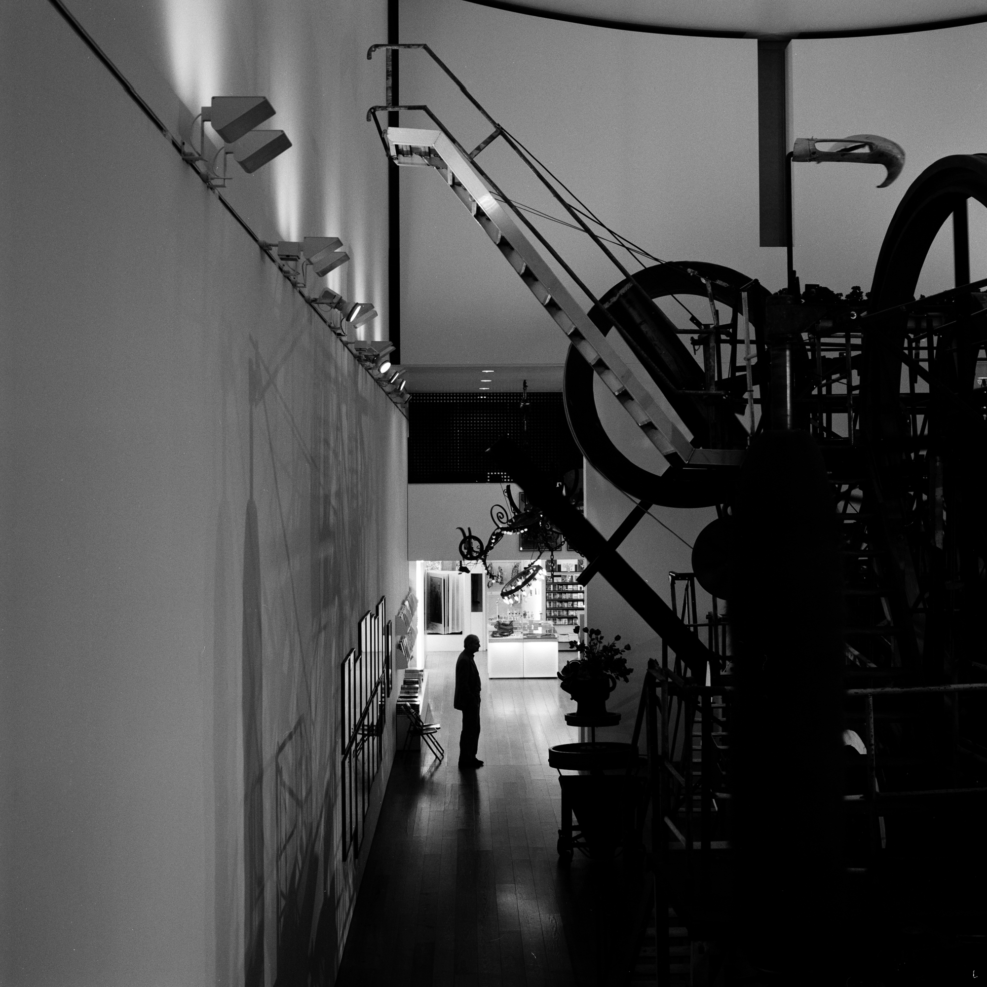 Monographic Museums Jean Tingeuly-01.jpg