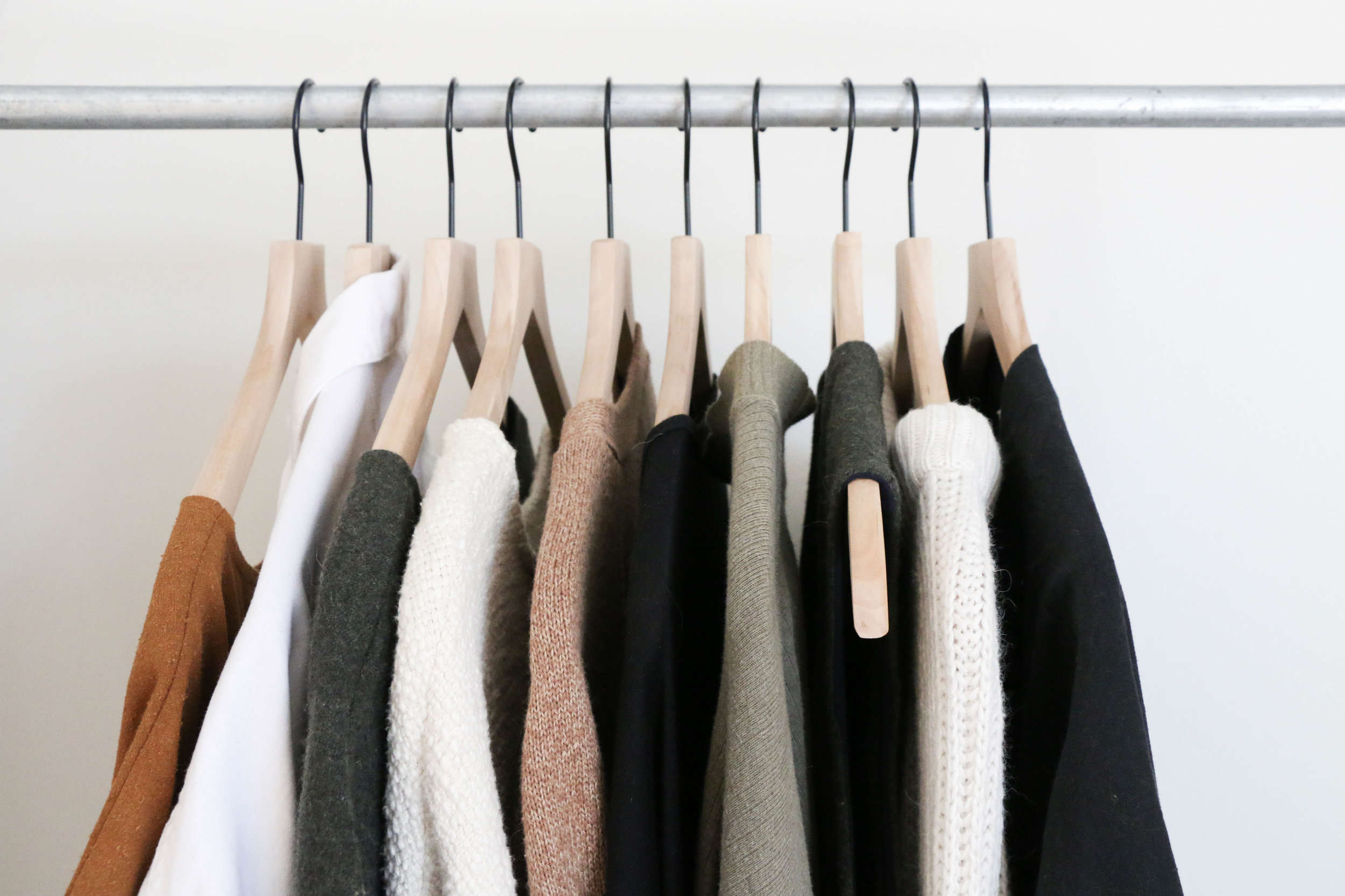 the-thoughtful-closet_fall-capsule-items_-500.jpg