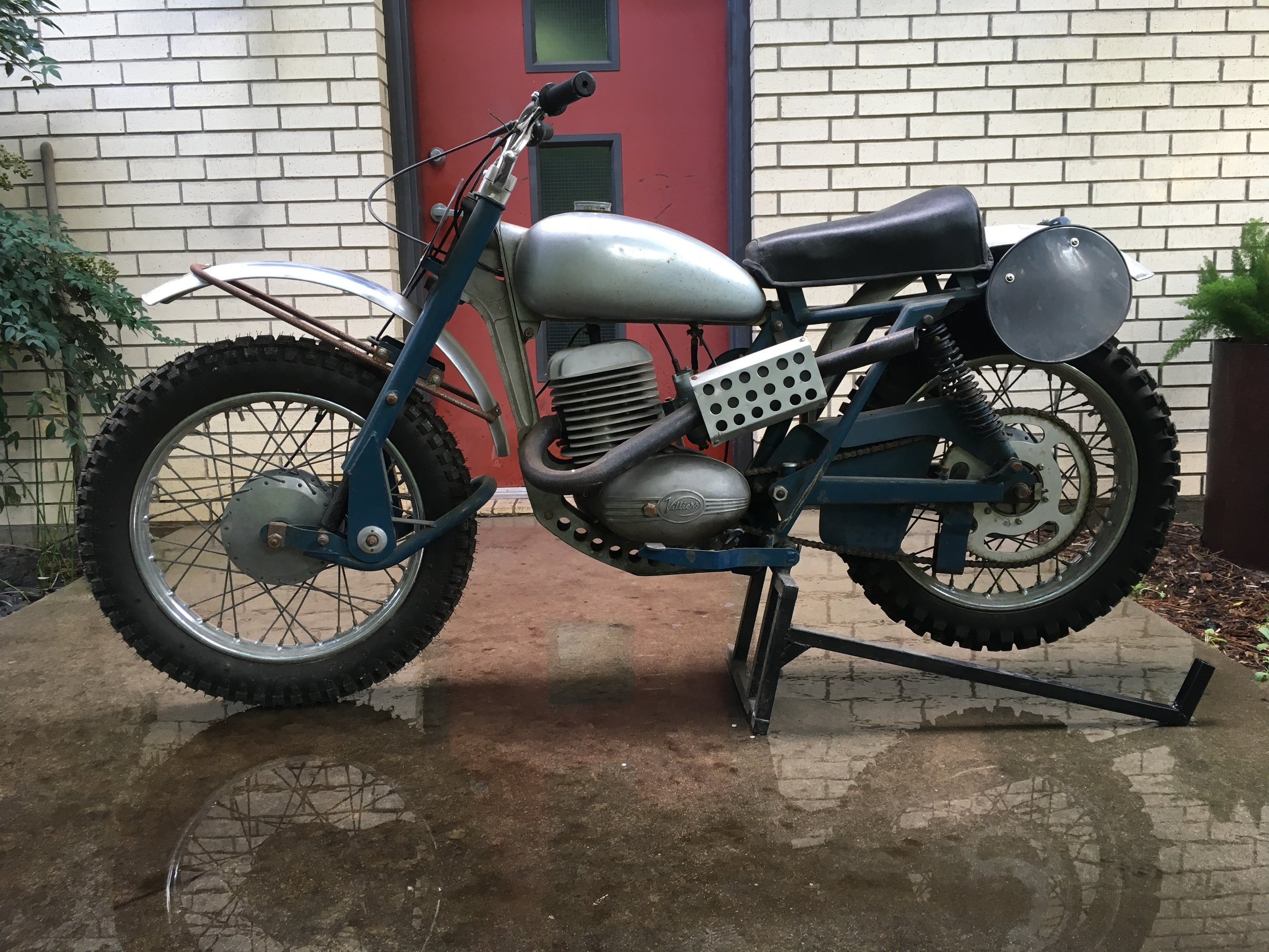 On the 30th of this month, DentonMoto is going to have some bikes for sale at our Movie Night. The showing is at Andy's on the Square here in Denton, and this beautiful 1962 Greeves 250 motocross model will be one of the offerings. This is a picture fresh from the barn, but the bike is undergoing a good cleaning and revival.