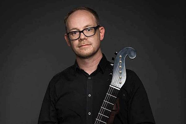 Geoffrey Morris guitar