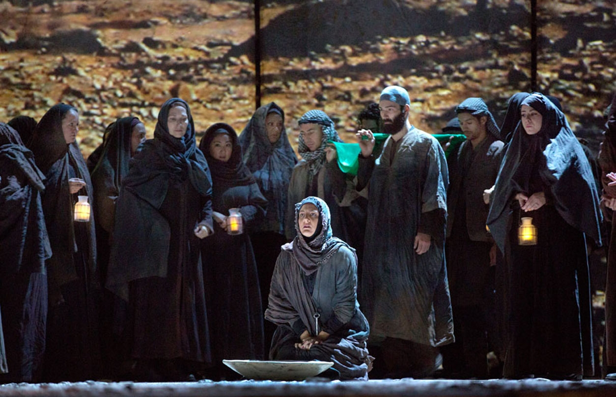 Chorus of exiled Palestinians, Act I of Adams's  The Death of Klinghoffer . Photo: Ken Howard/Metropolitan Opera.