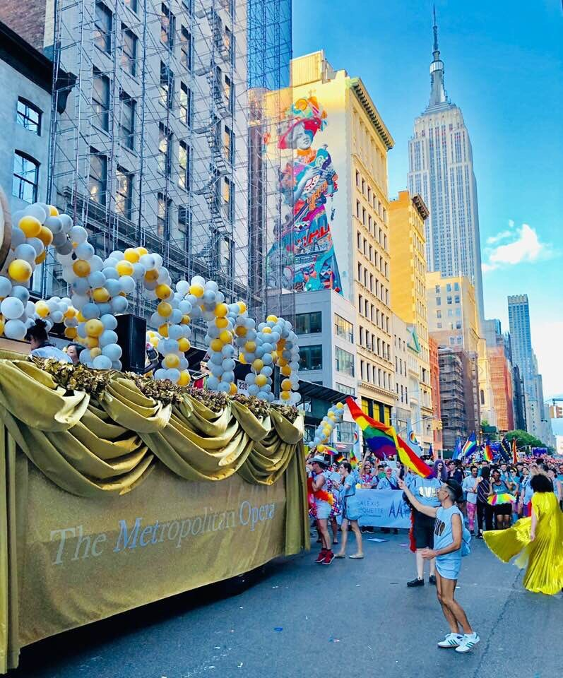 The Met's gilded parade float. (Photo: Jonathan Tichler)