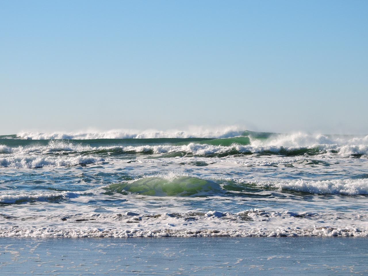 beach-1204401_1280.jpg