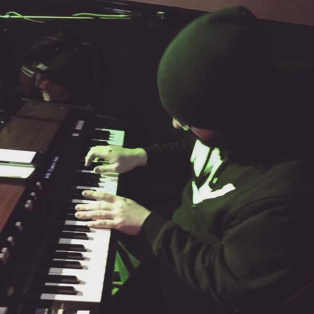 @benzino99 getting down with the keys #soundmakersunion #organ #keys