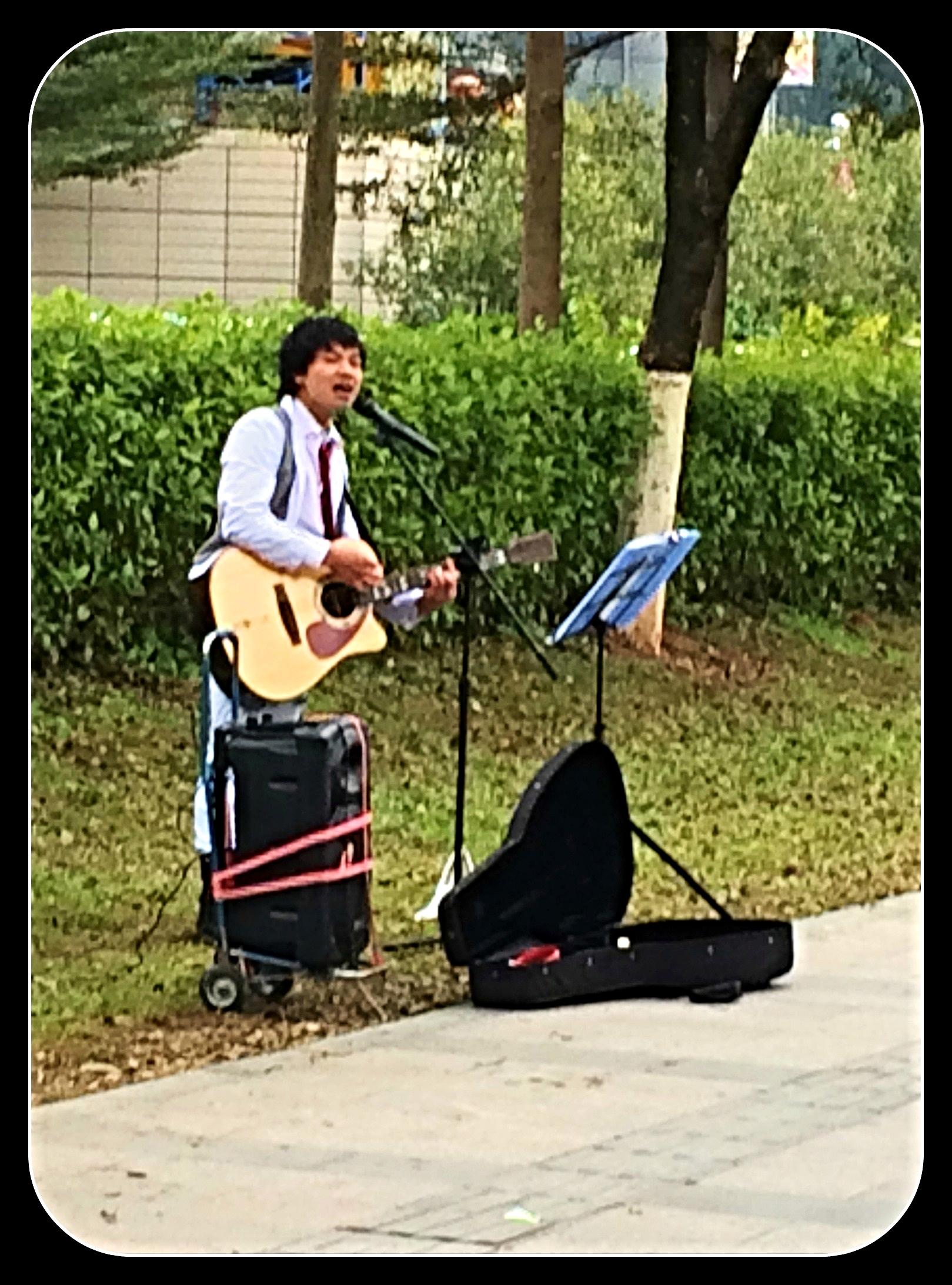 02-02 street musician2.jpg