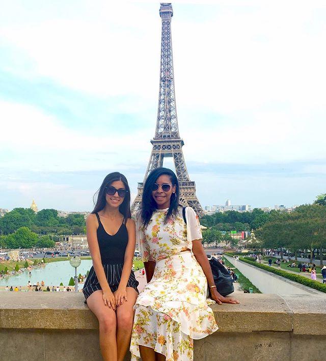 NoLa giving me French vibes, got me missing Paris 😩 #tbt •••••••••••••••••••••••••••••••••••••••••••••• #lablogger #lastylist #laphotographer #lamodel #travelnoire #hardlyhome #mytravelcrush #blacktravelfeed #soultravel #cocoatravelersintl #blavitylife #blackgirlstravel #sistersandsuitcases #blackwomentravel #womensstyleblogger #streeststyle #bgki #styleblogger