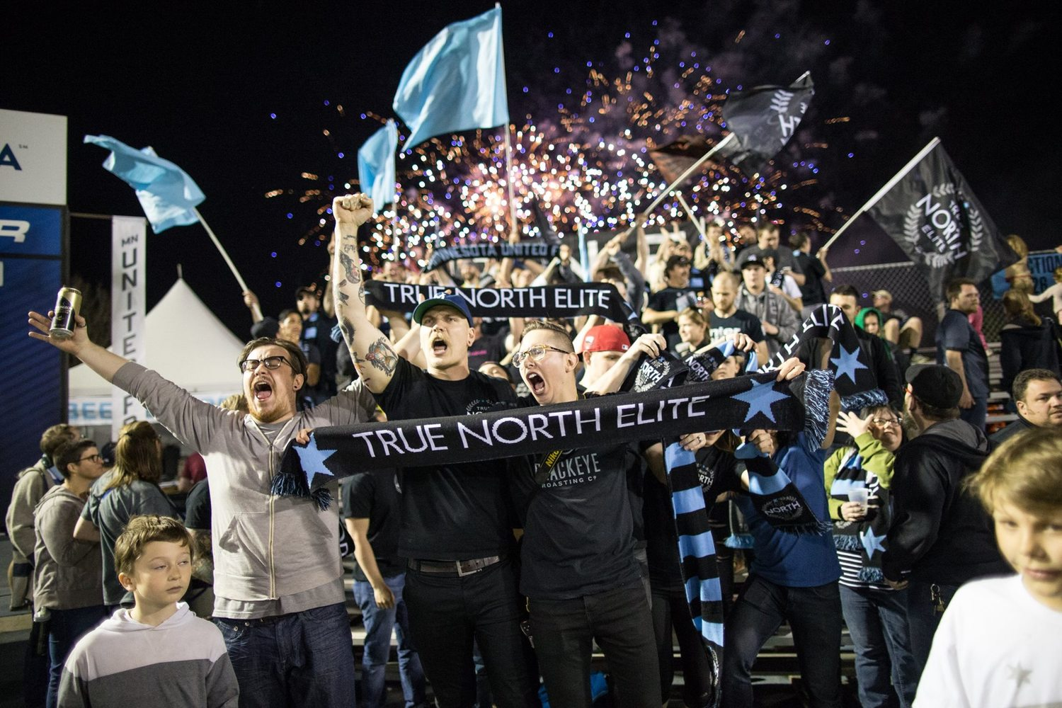 tne-crowd2-nasl.jpg