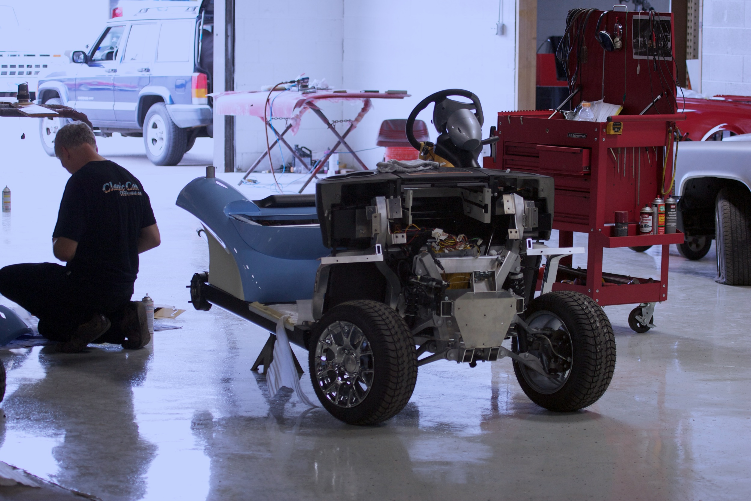 007_Michael Jordan Golf Car-assembly.jpg