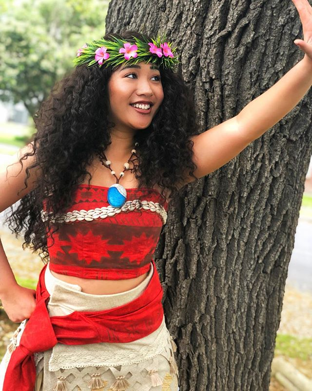#princessparty #partyprincess #princessperformer #facecharacter #moana #moanacosplay #disneycosplay #cosplaylife #princesscosplay #howfarillgo #latergram #sanantonioprincessparty #sanantonio #satx #atx