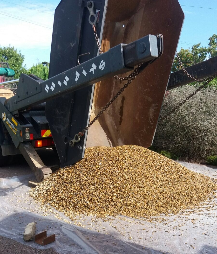 We can deliver bagged aggregate to your door when you book a skip. - This will waive the delivery charge of the aggregate saving you money!Enquire today 01502 710731.