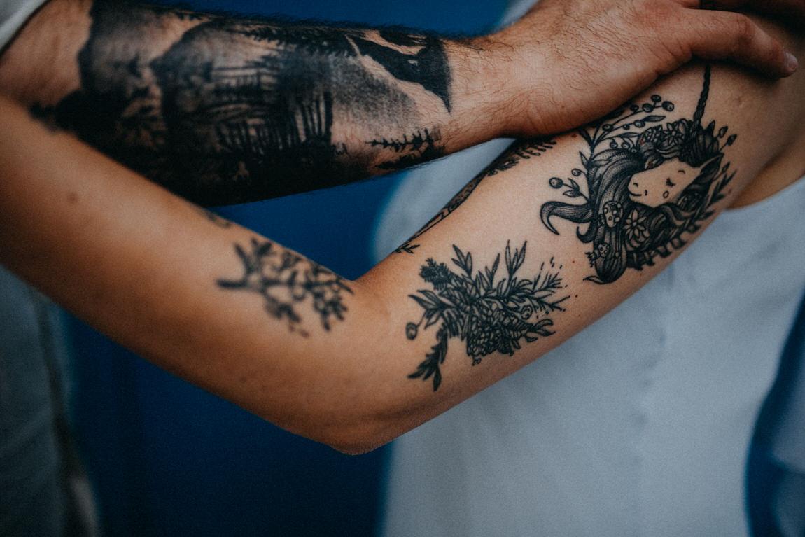 78_sesja_narzeczenska_tatuaze_para_wroclaw.jpg