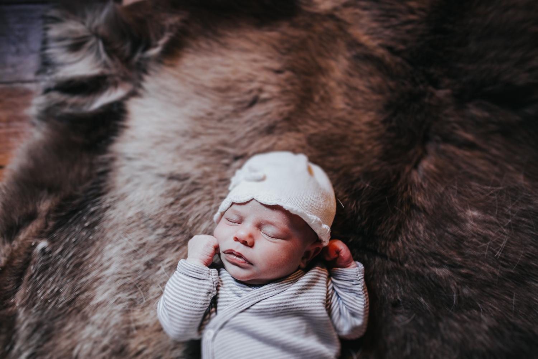 Baby-Newborn-Photography-Photographer-Donna-Norfolk-Wisbech-Devon-Dartmouth-17.jpg