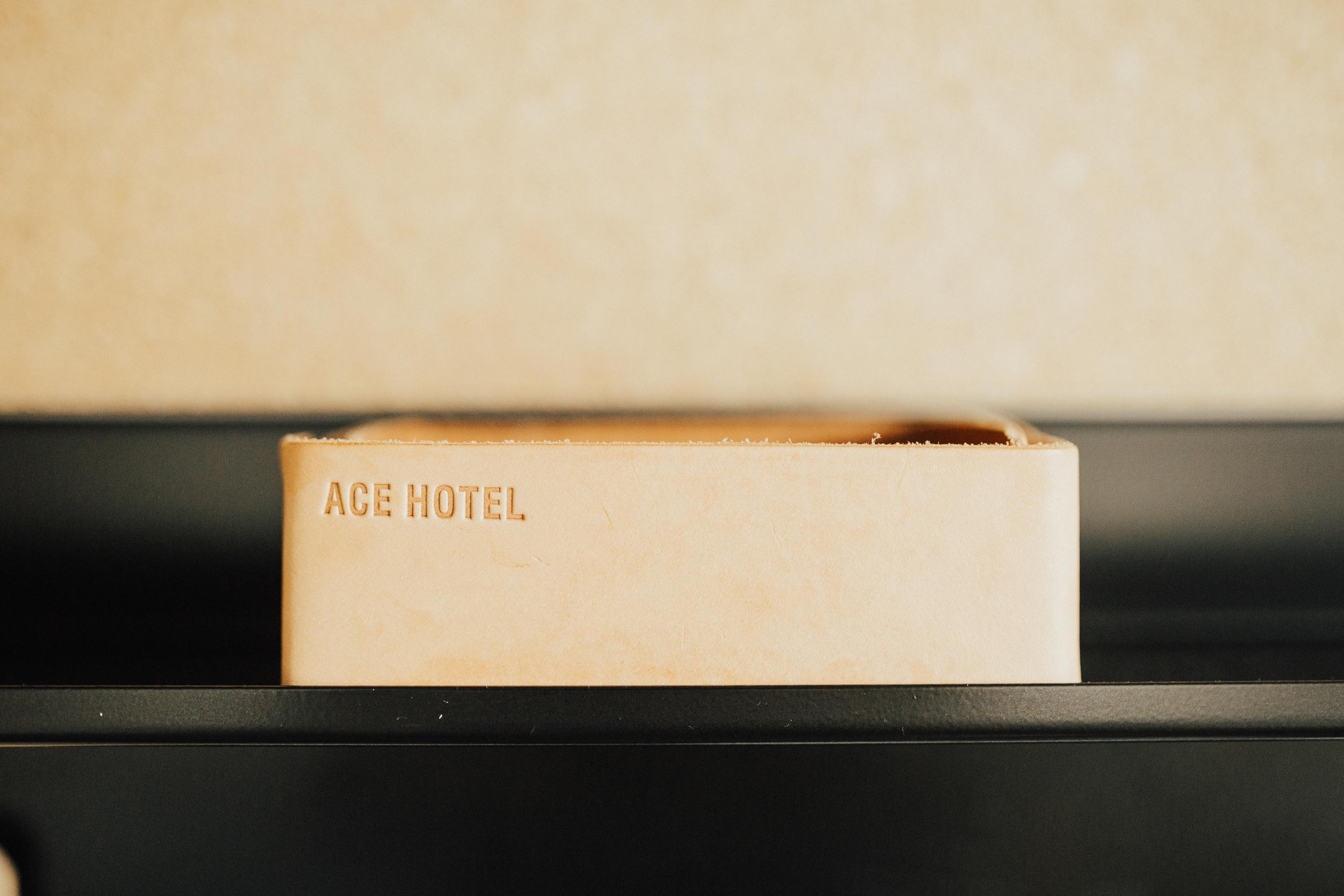 Laura-Benn-The-Asylum-London-The-Ace-Hotel-Wedding-Alternative-Darina-Stoda-Photography-5.jpg
