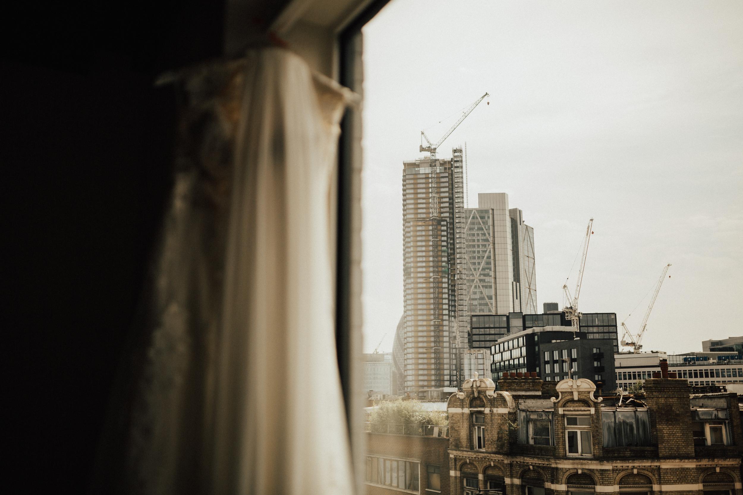 Laura-Benn-The-Asylum-London-The-Ace-Hotel-Wedding-Alternative-Darina-Stoda-Photography-6.jpg