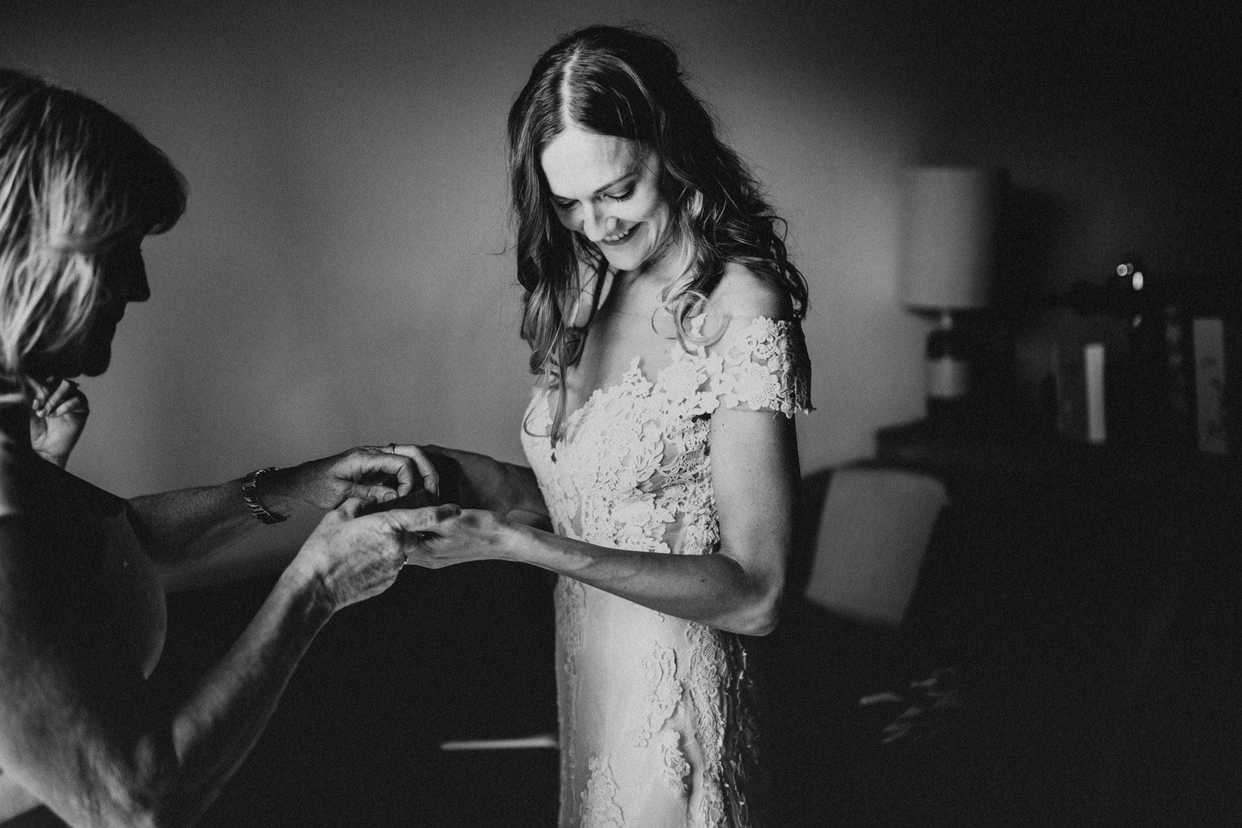 Laura-Benn-The-Asylum-London-The-Ace-Hotel-Wedding-Alternative-Darina-Stoda-Photography-49.jpg