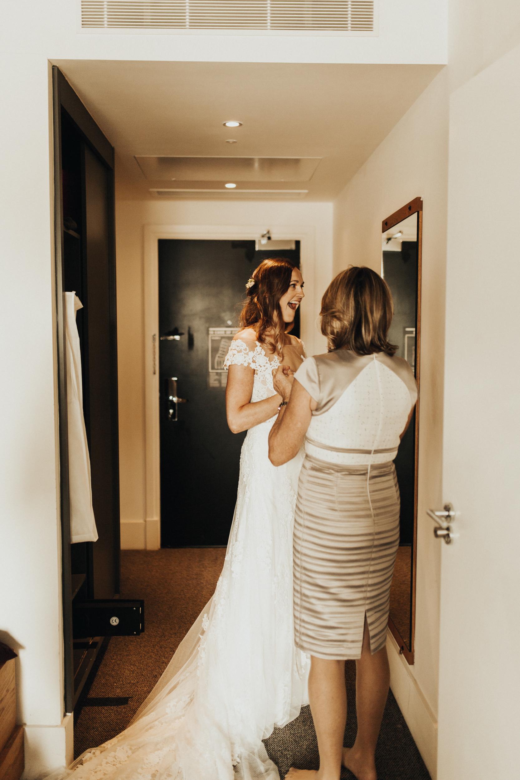 Laura-Benn-The-Asylum-London-The-Ace-Hotel-Wedding-Alternative-Darina-Stoda-Photography-53.jpg