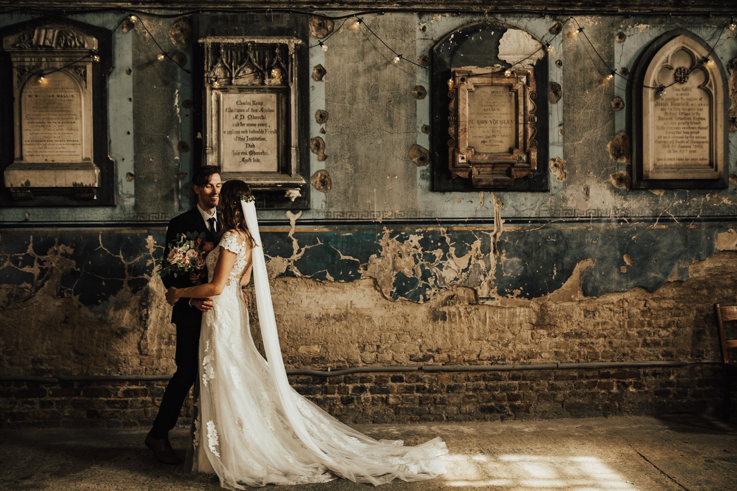 Laura-Benn-The-Asylum-London-The-Ace-Hotel-Wedding-Alternative-Darina-Stoda-Photography-334.jpg
