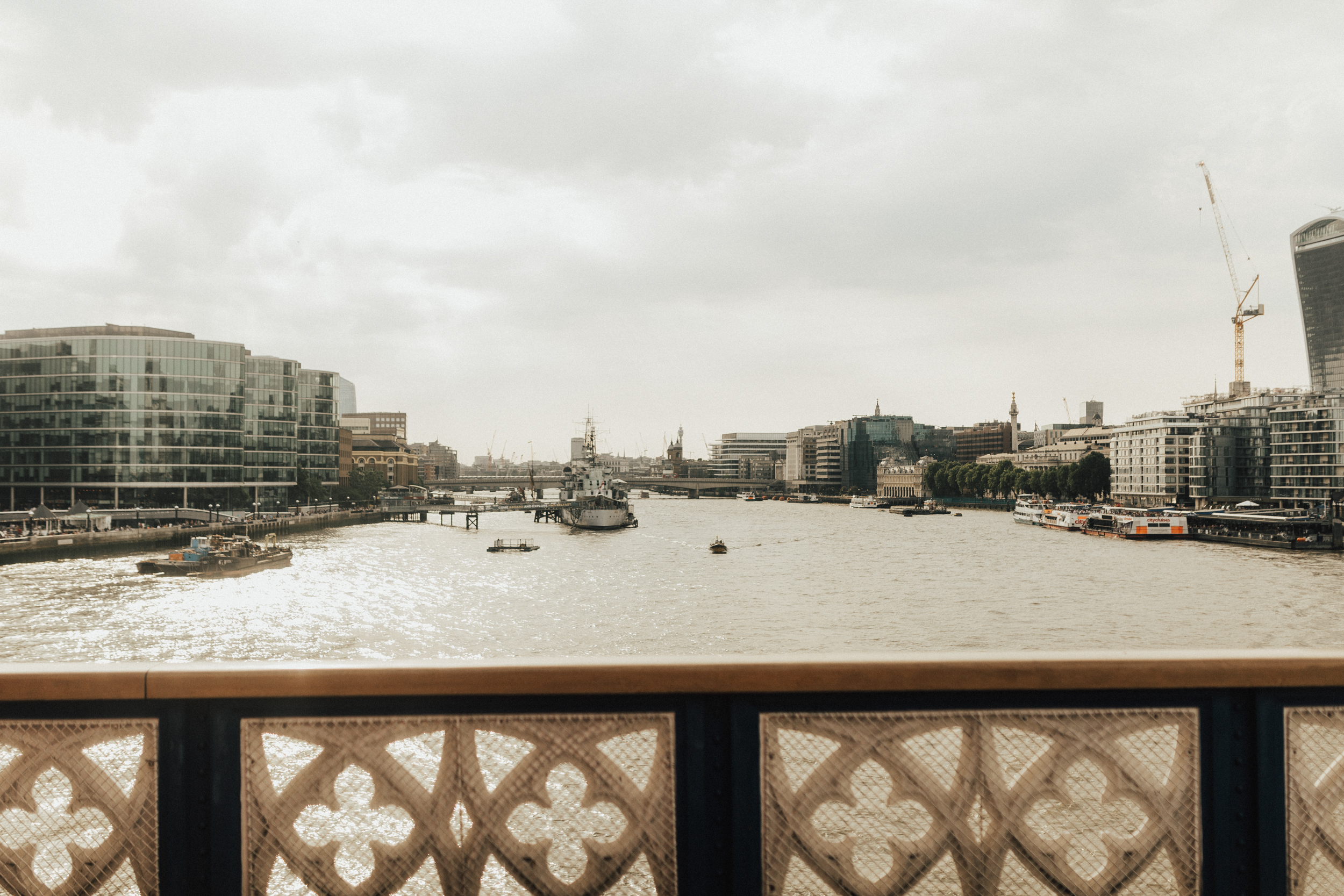 Laura-Benn-The-Asylum-London-The-Ace-Hotel-Wedding-Alternative-Darina-Stoda-Photography-494.jpg