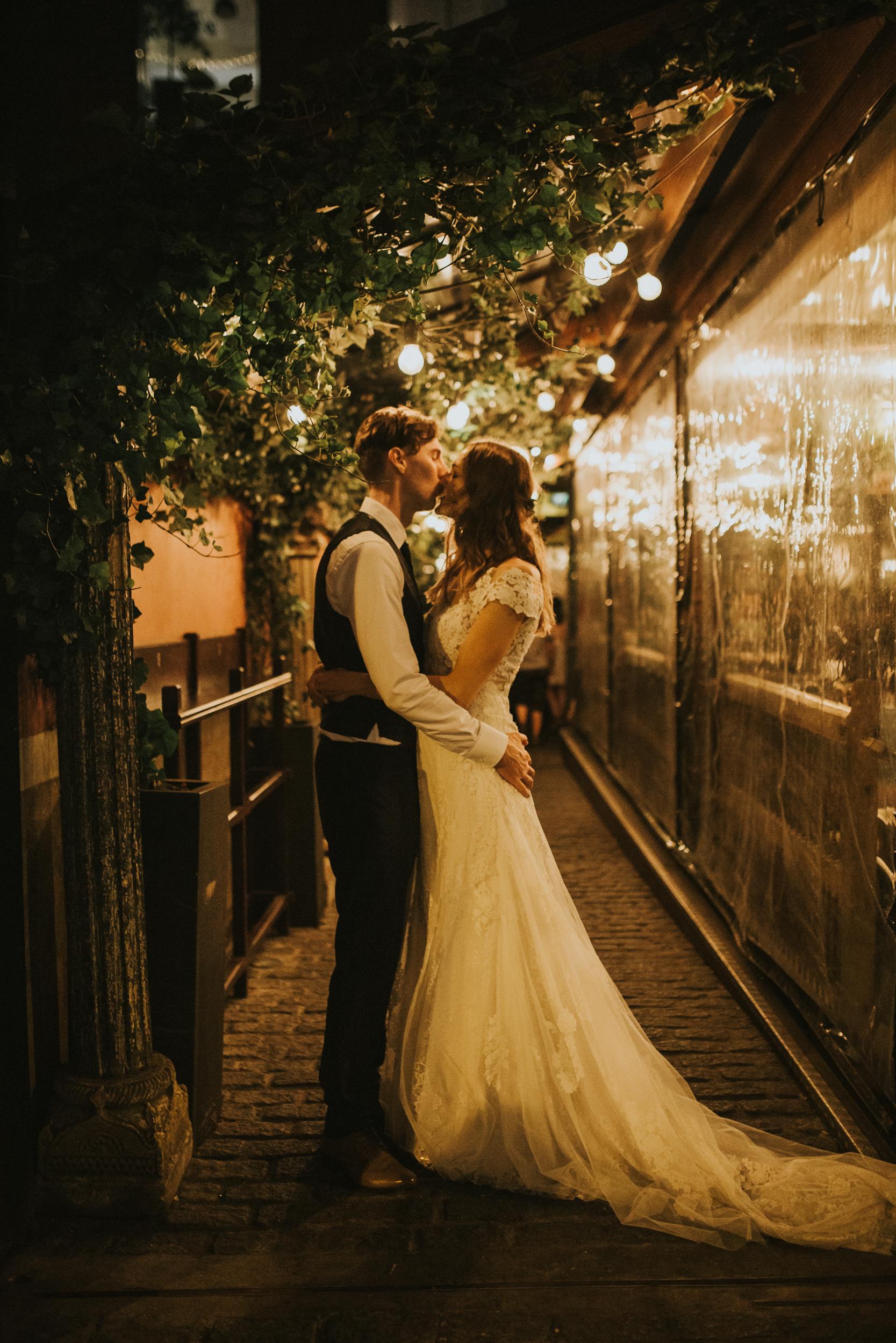 Laura-Benn-The-Asylum-London-The-Ace-Hotel-Wedding-Alternative-Darina-Stoda-Photography-817.jpg