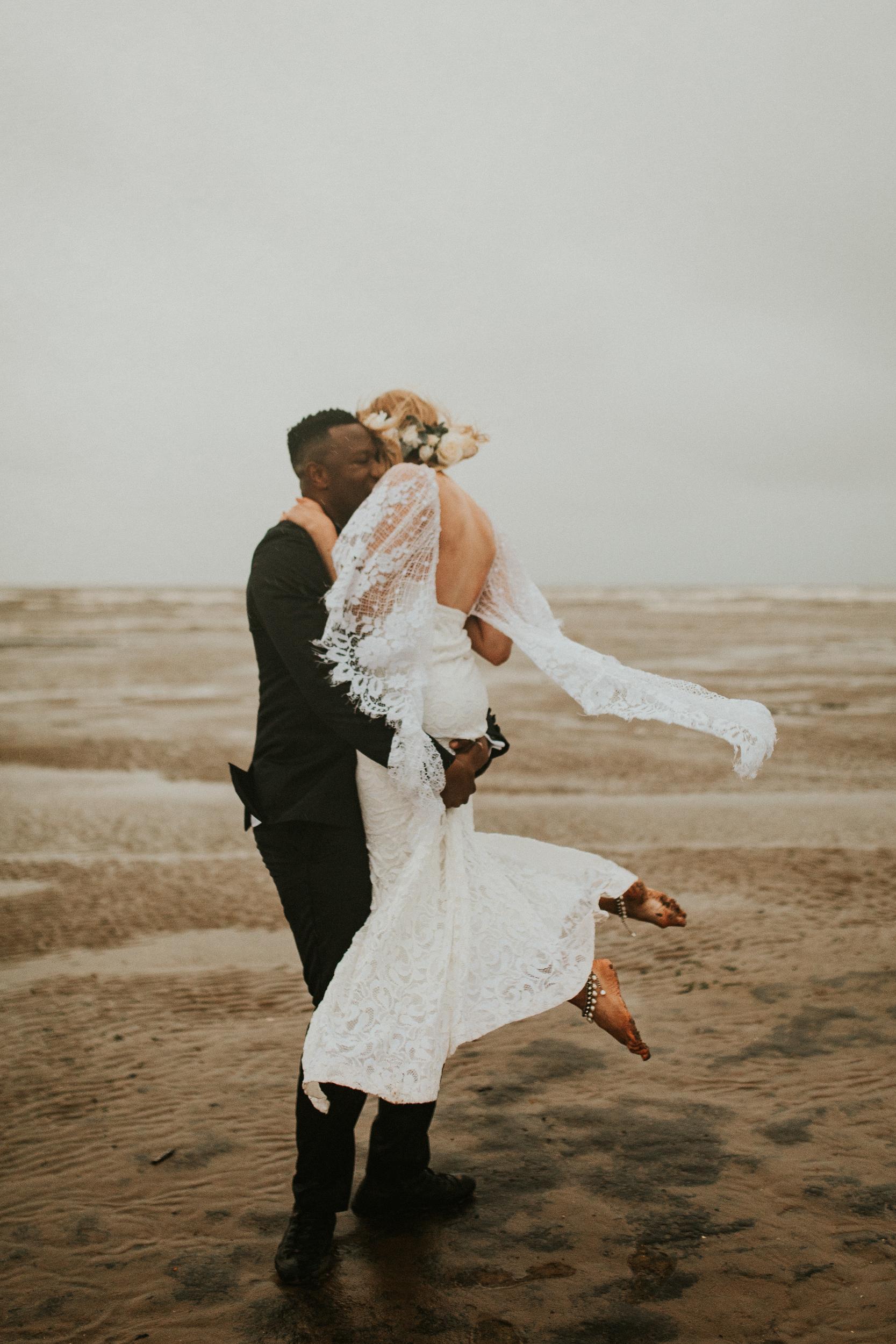 Emma-Tate-Stormy-Norfolk-Beach-Wedding-Shoot-Darina-Stoda-Photography-44.jpg
