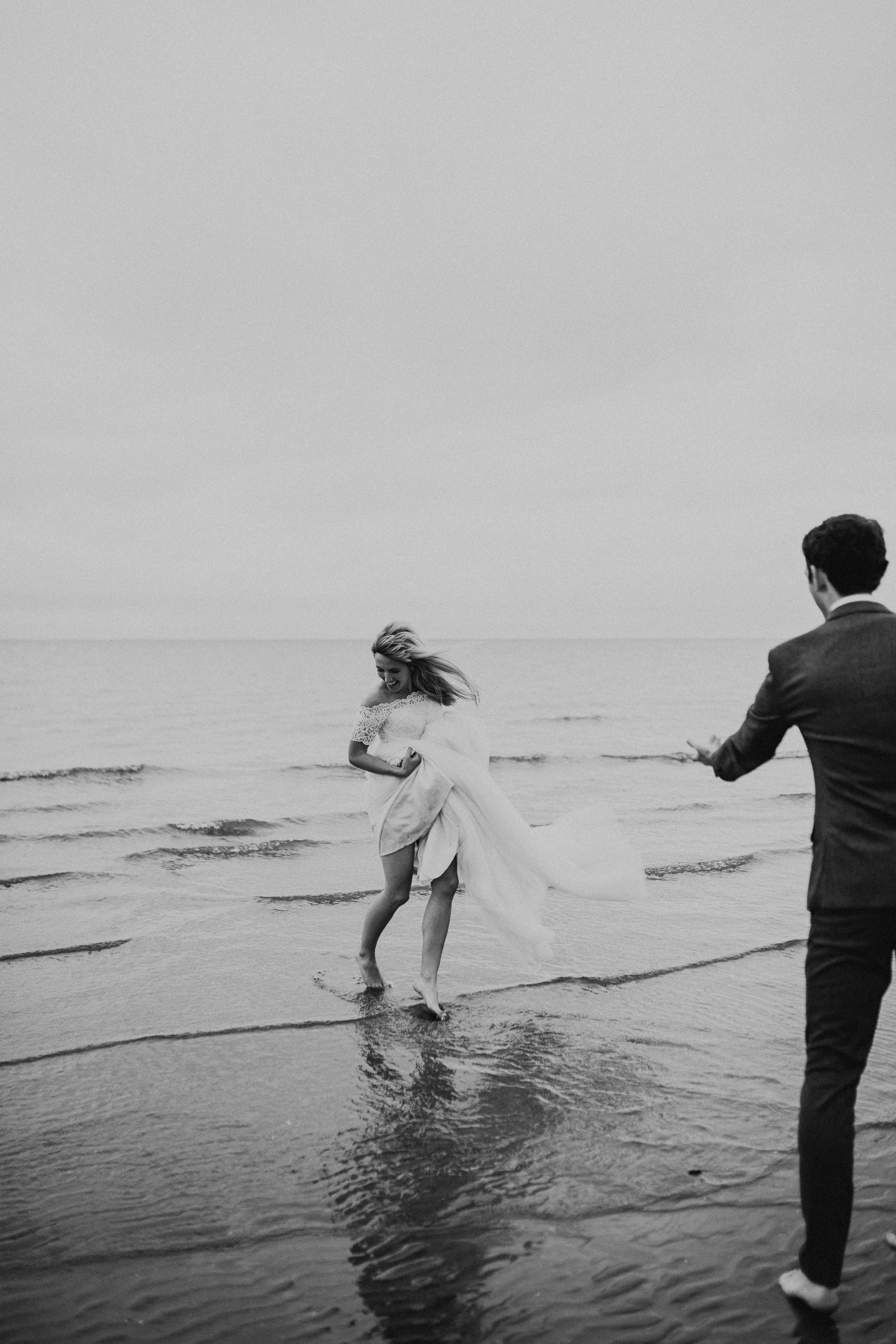 Claire-Clive-Wedding-Norfolk-Beach-Session-Love-Darina-Stoda-Photography-69.jpg