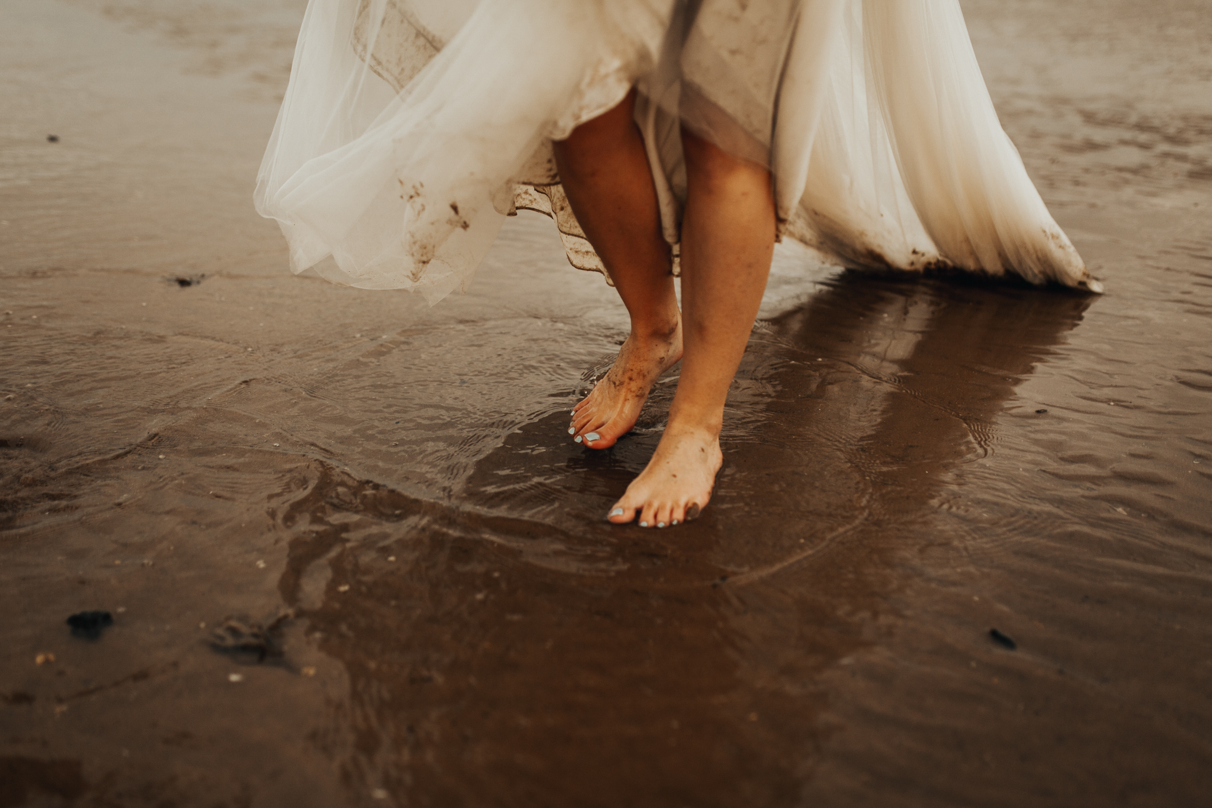 Claire-Clive-Wedding-Norfolk-Beach-Session-Love-Darina-Stoda-Photography-183.jpg