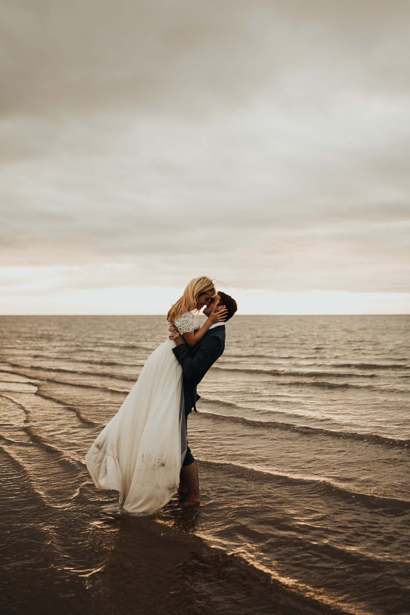 Claire-Clive-Wedding-Norfolk-Beach-Session-Love-Darina-Stoda-Photography-198.jpg