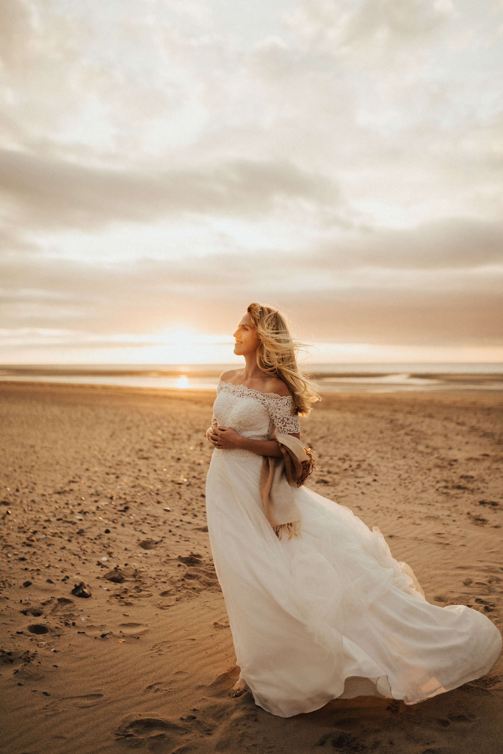 Claire-Clive-Wedding-Norfolk-Beach-Session-Love-Darina-Stoda-Photography-331.jpg