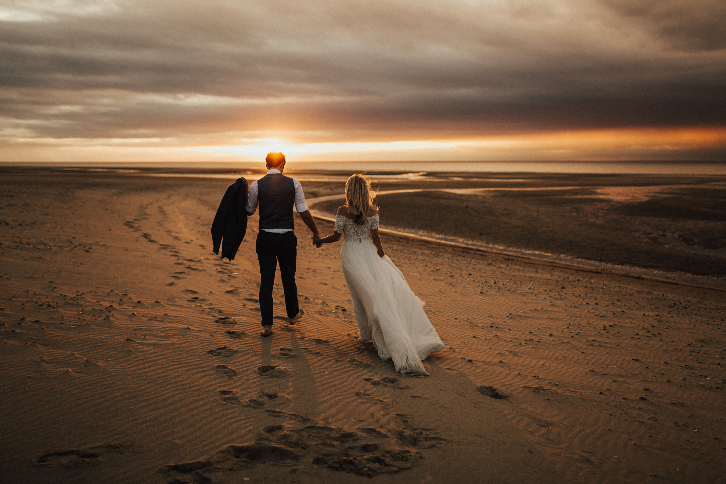 Claire-Clive-Wedding-Norfolk-Beach-Session-Love-Darina-Stoda-Photography-344.jpg