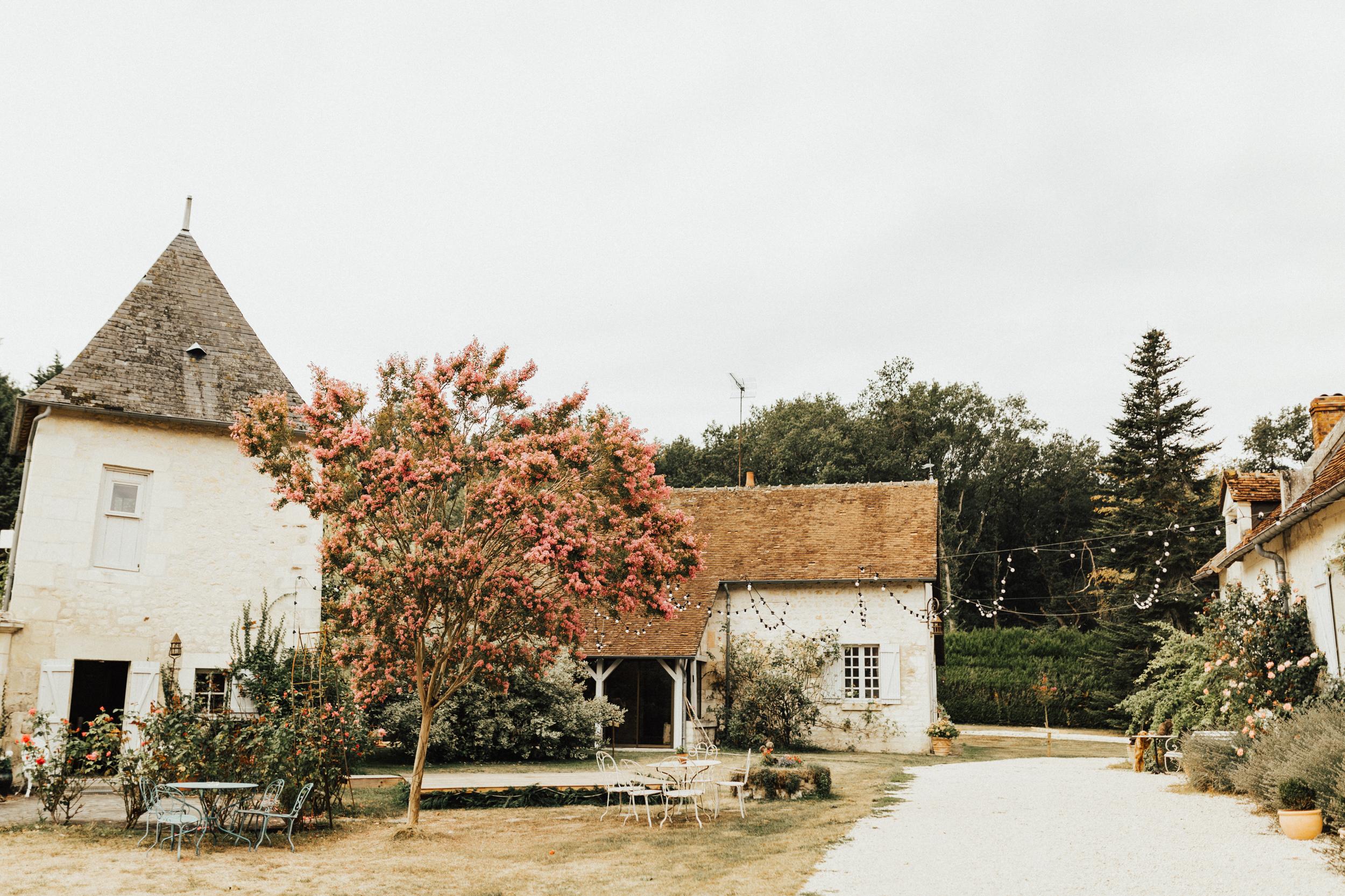 Amy-Zac-Destination-Wedding-France-Manoir-Foulquetiere-Darina-Stoda-Photography-2.jpg