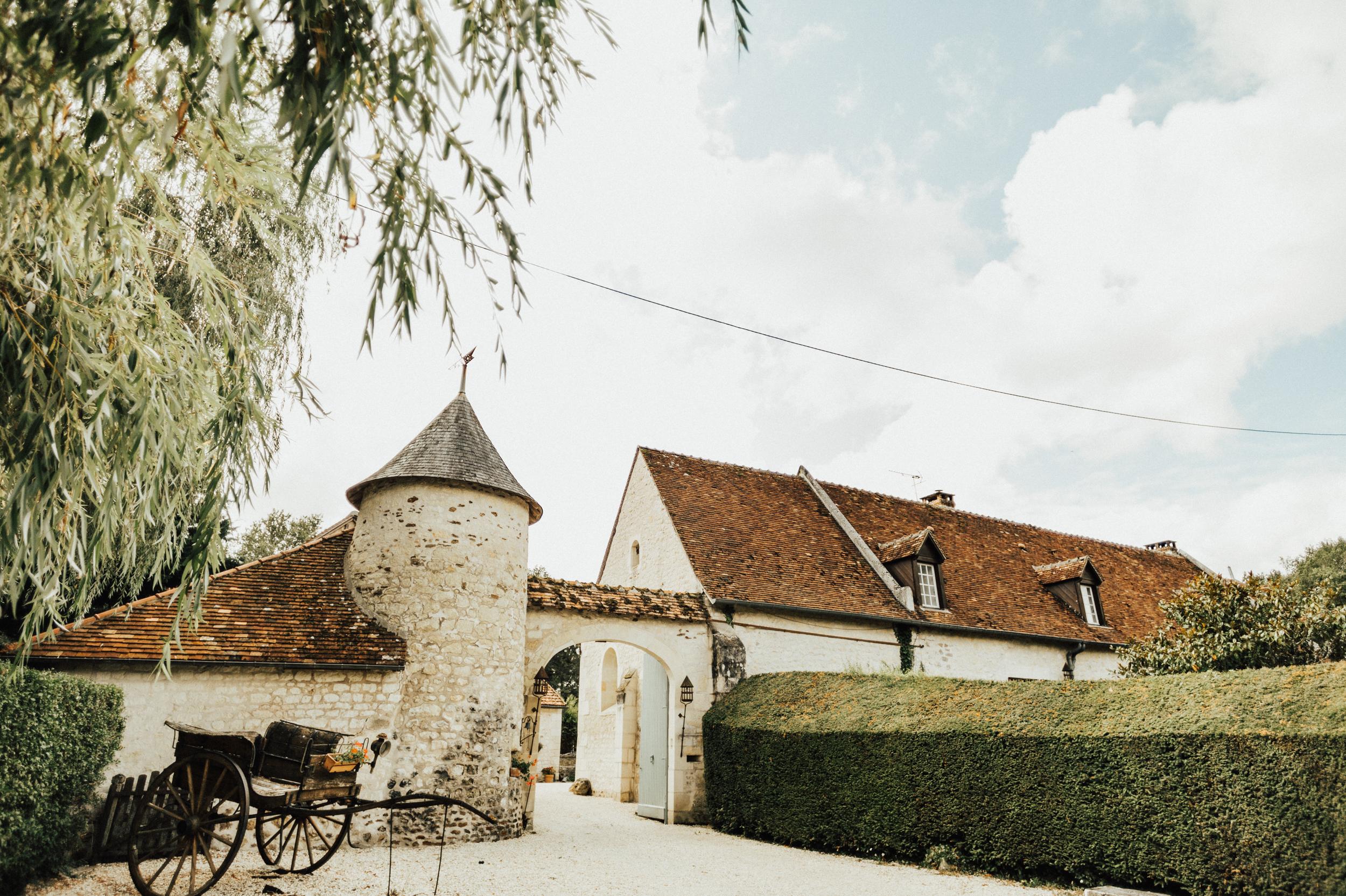 Amy-Zac-Destination-Wedding-France-Manoir-Foulquetiere-Darina-Stoda-Photography-3.jpg